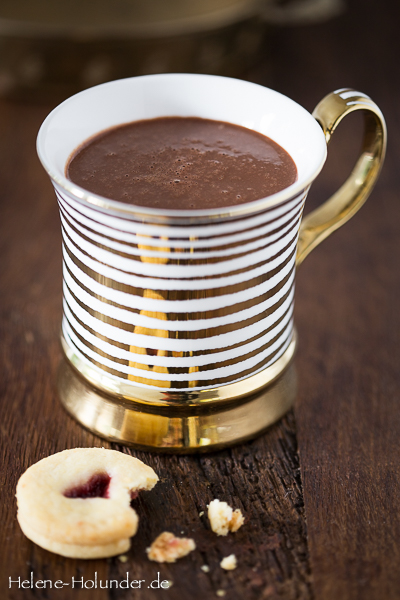 hot-chocolate-vegan-helene-holunder